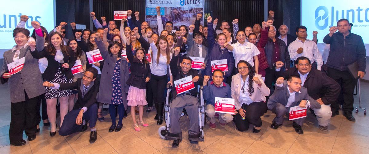 Graduación de personas con discapacidad del diplomado Empodera