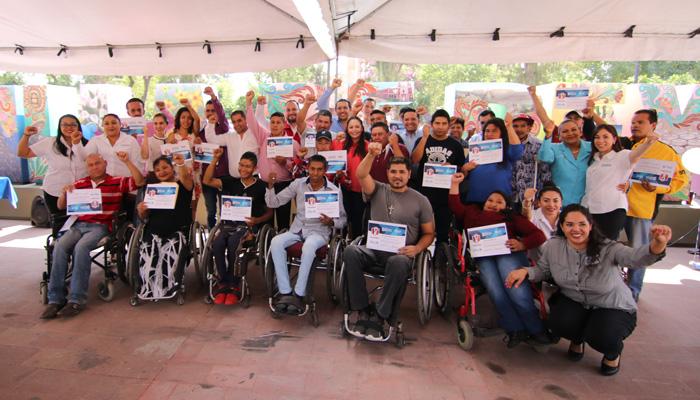 Graduados de Empodera previo a la inclusión laboral de personas con discapacidad
